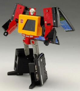 transformers-usb-hub-robot-mode
